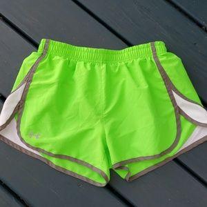 Under Armour Sz XS Heatgear green running shorts